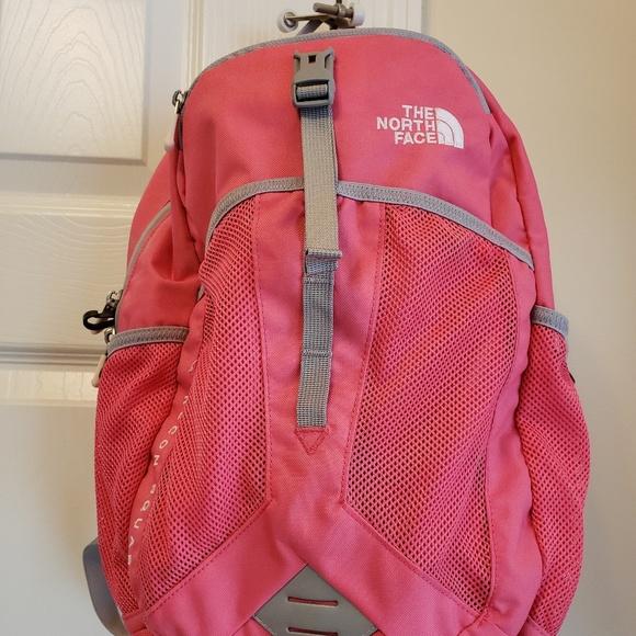 ... NorthFace Recon Squash Backpack. M 5aff1c0e6bf5a65968a185a7 5060a4022cbcb